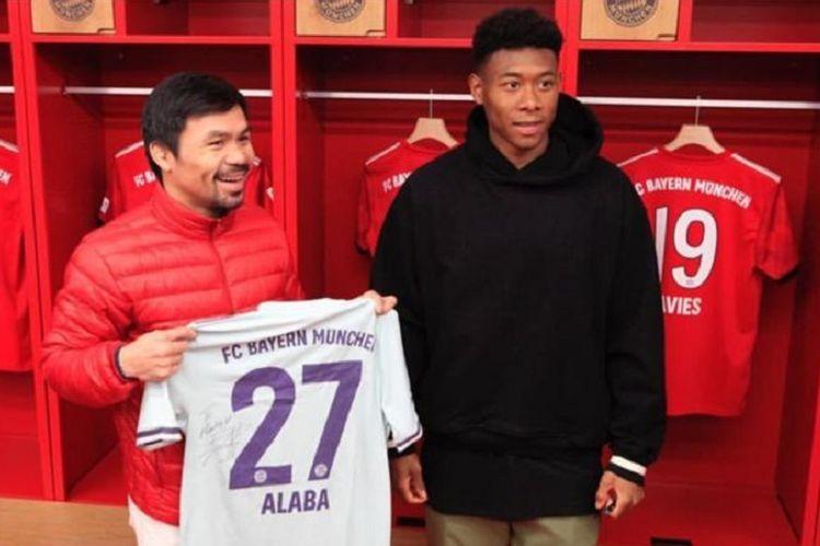 Manny Pacquiao mengunggah foto bersama bek Bayern Muenchen, David Alaba, di kamar ganti Allianz Arena melalui fitur Instagram Story, 12 Maret 2019.