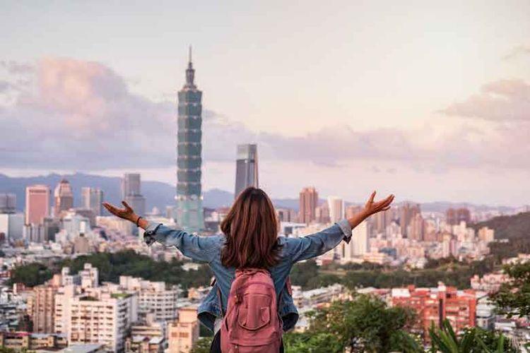 Keramahan bukan hanya ditunjukkan oleh penduduknya, tetapi juga oleh seluruh tempat dan atraksi wisata yang ditawarkannya.