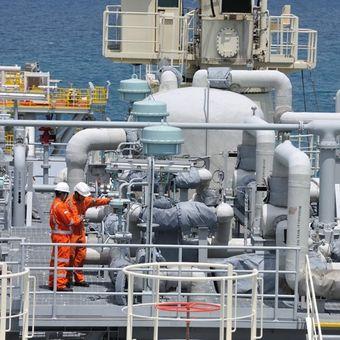 Aktivitas di terminal LNG