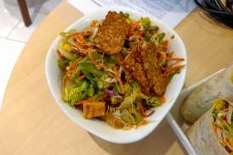 Sunshine Jakarta, hidangan gado-gado di gerai SaladStop!
