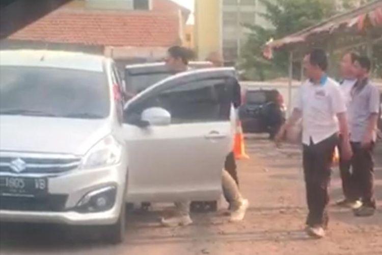 Potongan video aksi penculikan Bangkit di Surabaya