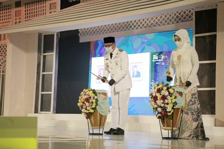 Gubernur Jabar Ridwan Kamil saat meluncurkan Gerakan Nasional (Gernas) Bangga Buatan Indonesia (BBI) Jabar di Trans Convention Center, Kota Bandung, Sabtu (3/4/2021).