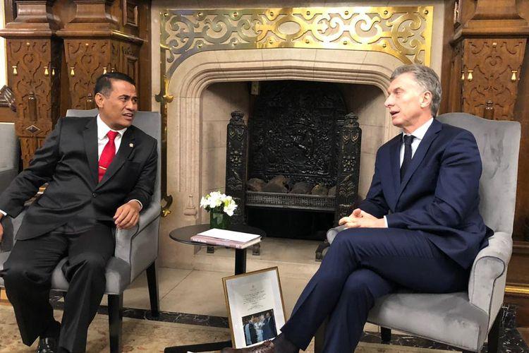 Menteri Pertanian (Mentan) Andi Amran Sulaiman secara langsung datang ke Istana Kepresidenan Buenos Aires, Argentina untuk merealisasikan kerja sama di bidang pertanian dengan Presiden Argentina Mauricio Macri pada Senin, (22/7/2019).