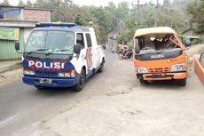Minibus Pengangkut Rombongan Takziyah Tergelincir, 2 Penumpang Tewas