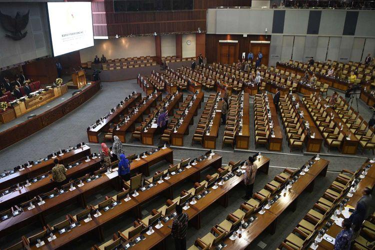 Suasana Rapat Paripurna Masa Persidangan I Tahun Sidang 2019-2020 di Kompleks Parlemen Senayan, Jakarta, Kamis (5/9/2019). Rapat paripurna tersebut membahas RUU tentang Perubahan Atas UU Nomor 2 Tahun 2018 tentang perubahan kedua atas Undang-Undang No.17 Tahun 2014 tentang MPR, DPR dan DPRD (UU MD3), serta RUU tentang Perubahan Atas UU Komisi Pemberantasan Tindak Pidana Korupsi (KPK).