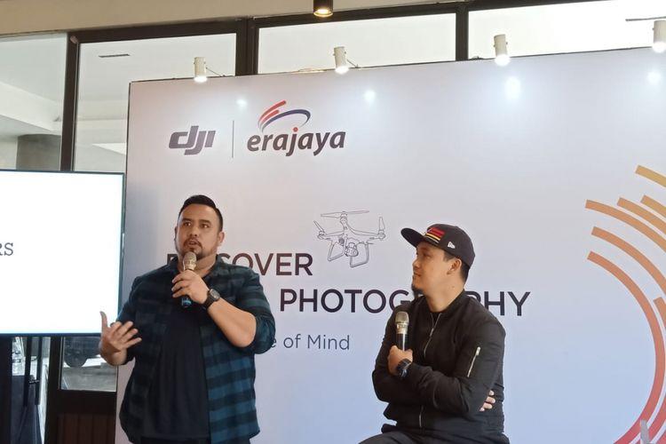 Dua fotografer profesional Sigit Prasetyo dan Tito Rikardo memberikan pengalaman tentang drone pada workshop Discover Aerial Photography di Native Coffee Tribe, Tangerang Selatan, Sabtu (10/11/2018).