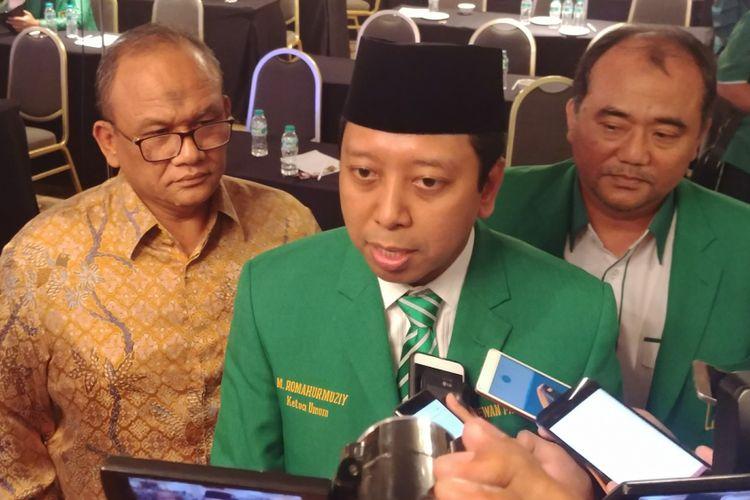 Ketua umum PPP Romahurmuziy usai menghadiri Rakornas PPP di Hotel Milenium, Jakarta, Rabu (24/1/2018).