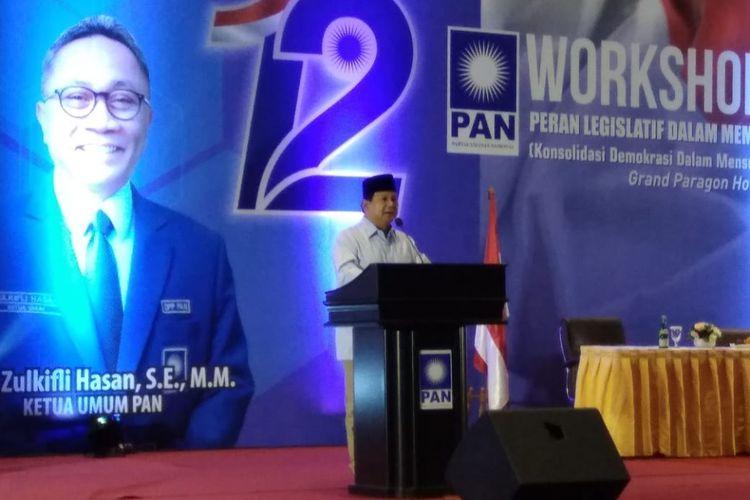 Bakal calon presiden Prabowo Subianto dalam sambutannya di pembekalan calon legislatif PAN di Grand Paragon, Jakarta, Minggu (16/9/2018).