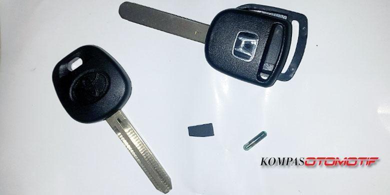 Kunci Immobilizer yang siap dijadikan duplikat.