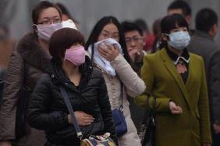 Akibat polusi udara yang sangat buruk di beberapa kota di China, maka