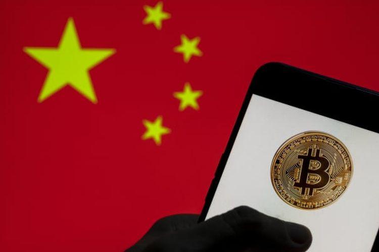 Ilustrasi China dan Bitcoin.