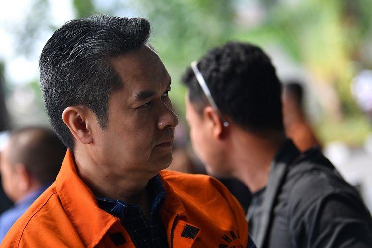 Tersangka selaku mantan Direktur Keuangan PT Angkasa Pura II (Persero) Andra Y Agussalam tiba untuk menjalani pemeriksaan di kantor KPK, Jakarta, Rabu (6/11/2019). Andra Y Agussalam menjalani pemeriksaan lanjutan kasus dugaan suap pengadaanbaggage-handling system pada PT Angkasa Pura Propertindo yang dikerjakan PT Industri Telekomunikasi Indonesia (INTI). ANTARA FOTO/Sigid Kurniawan/wsj.