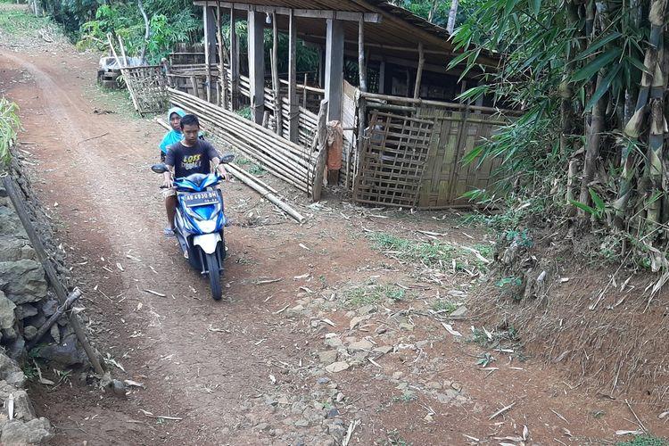 Aktivitas Warga Kampung Pitu, Nglanggeran, Patuk, Gunungkidul Jumat (25/3/2021)