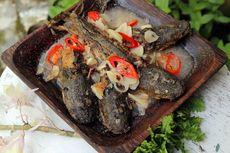 Resep Pecel Lele Kuah Santan, Panggang Ikan Lebih Dulu