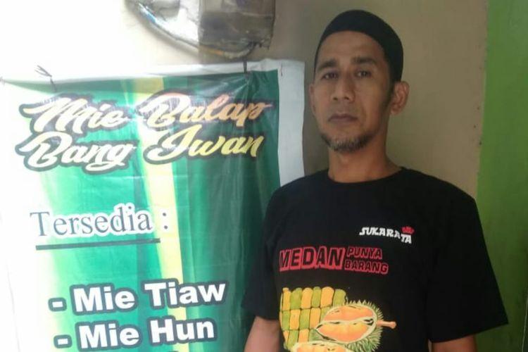 Ridwan, pria yang berprofesi sebagai koki selama 14 tahun ini memutuskan pensiun dan fokus menjual makanan lewat GrabFood.