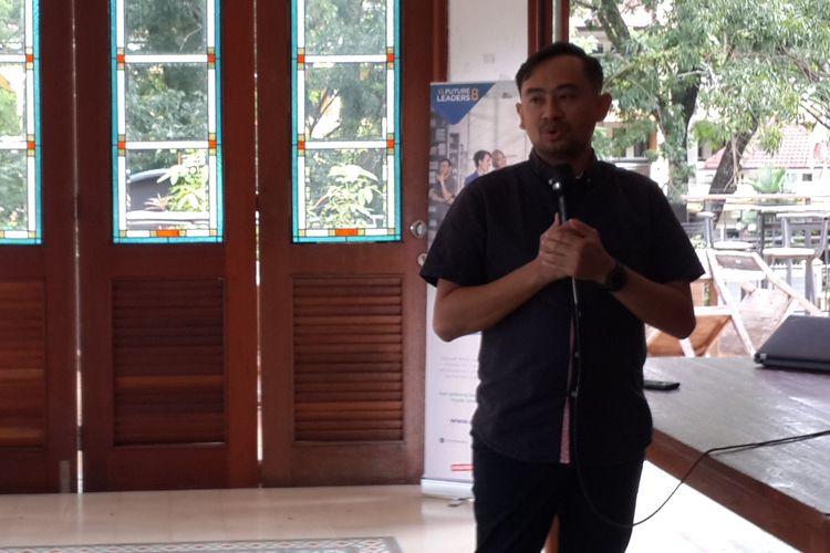 Head of Sustainability and Communication Services PT XL Axiata Tbk, Andy Satrio Yuddho saat di Kota Malang, Senin (1/4/2019)
