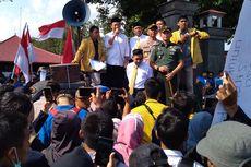 Hendak Demo, Mahasiswa Dihadang Massa Berseragam Hitam