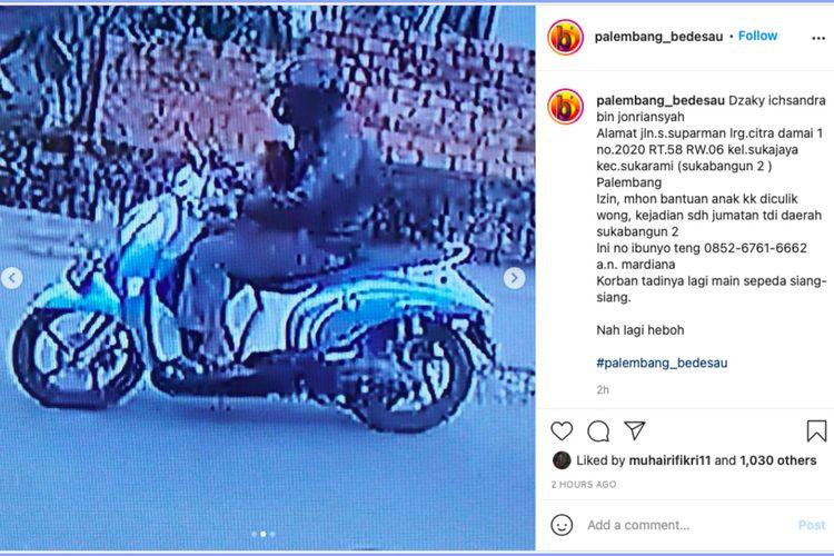 Tangkapan layar CCTV penculikan seorang anak bernama Dzaky Ichsandra (4) yang terjadi di Jalan S Parman, Lorong Citra Damai I, Kecamatan Sukarami, Palembang, Sumatera Selatan, Jumat (19/2/2021).