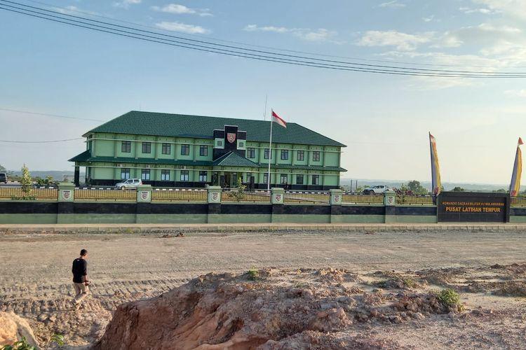 Kawasan pembangunan Markas Komando Gabungan Wilayah Pertahanan (Makogamwilhan) II Mabes TNI dan Pusat Latihan Tempur (Puslatpur) Kodam IV Mulawarman di Ambarawang Darat, Samboja, Kutai Kertanegara, Kalimantan Timur, Sabtu (13/3/2021).