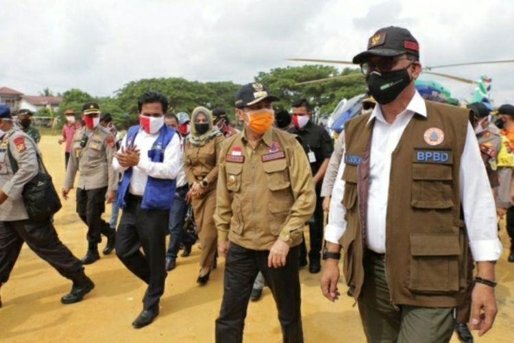 Gubernur Riau Syamsuar saat meninjau kesiapan pelaksanaan new normal di Kabupaten Rokan Hilir, Sabtu (30/5/2020).