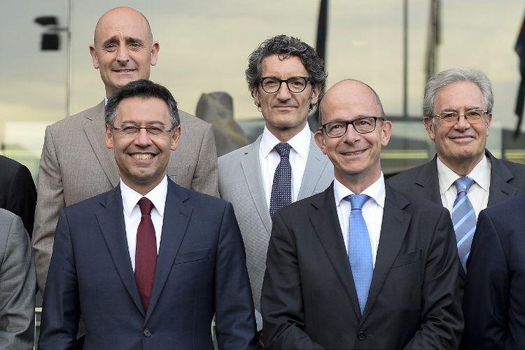 Presiden Barcelona, Josep Maria Bartomeu (kiri) dan wakilnya, Jordi Cardoner (kanan).