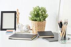 Tips Dekorasi Meja Kerja agar Nyaman seperti di Rumah