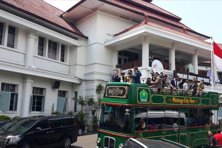 Bus Malang City Tour (Macito) milik Pemkot Malang saat hendak mengantar sejumlah delegasi yang berkunjung ke Kota Malang pada 2019 lalu.