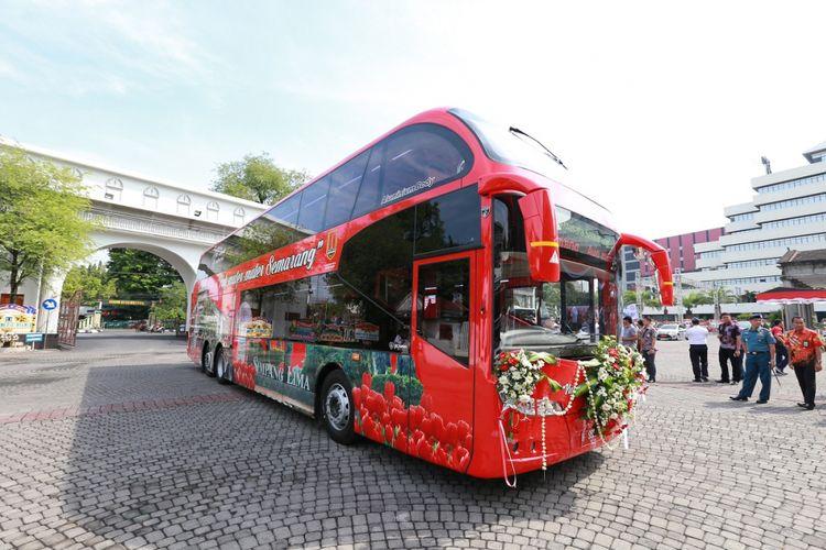 Bus tingkat pariwisata resmi beroperasi di Kota Semarang mulai Senin (2/10/2017). Bus ini akan melayani warga kota maupun wisatawan dengan cuma-cuma.