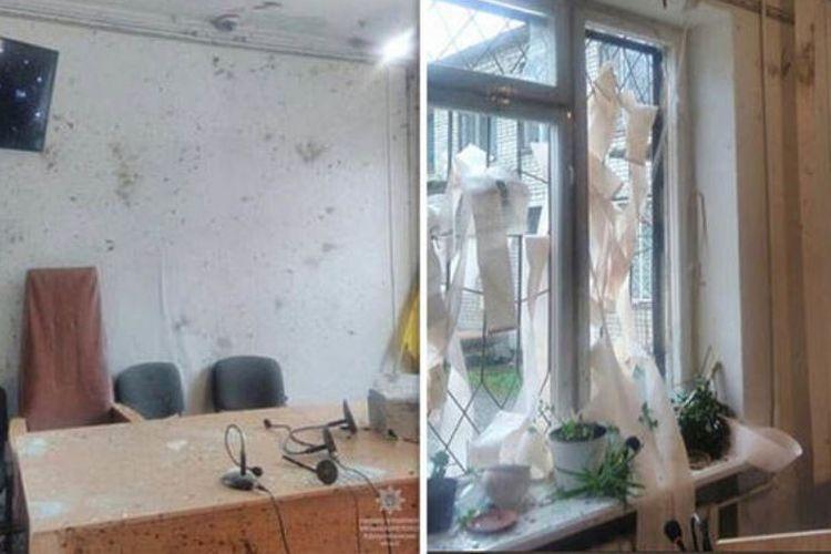 Foto-foto dari kepolisian Dnipro menunjukkan kondisi ruang persidangan di pengadilan Nikopol, Ukraina pasca-terjadinya ledakan granat.