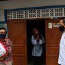 Jokowi: 961.000 KK di DKI Jakarta Sudah Terima Bansos Tahap Ketiga