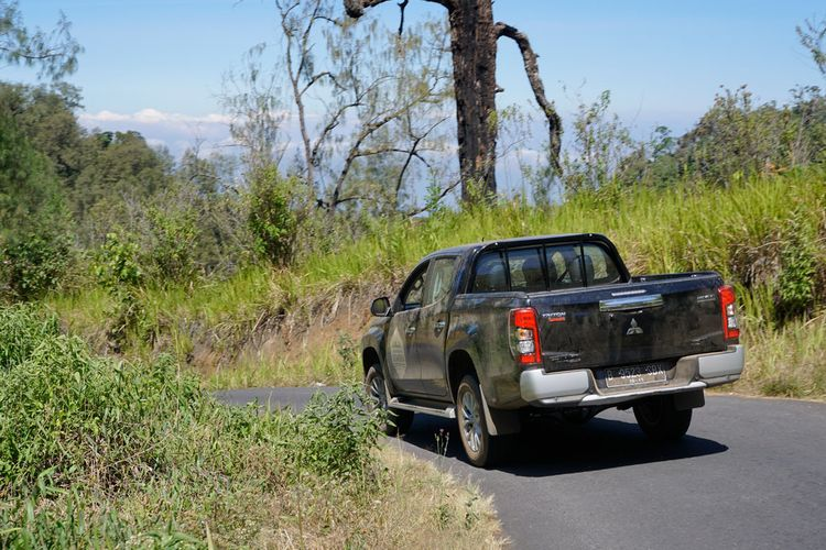 Mitsubishi Triton buktikan ketangguhan di ekspedisi Jejak Pendaki Semeru