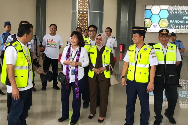 Dirjen Perhubungan Udara Kemenhub, Polana B Pramesti saat meninjau Bandara Silampari, Lubuklinggau, Sumatera Selatan, Kamis (7/3/2019).