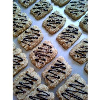 Long Cappucino/Cappucino Cookies, salah satu varian kue kering tanpa telur.