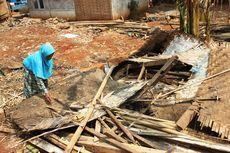Rumahnya Ambruk, Janda Tua di Cianjur ini Berharap Uluran Tangan