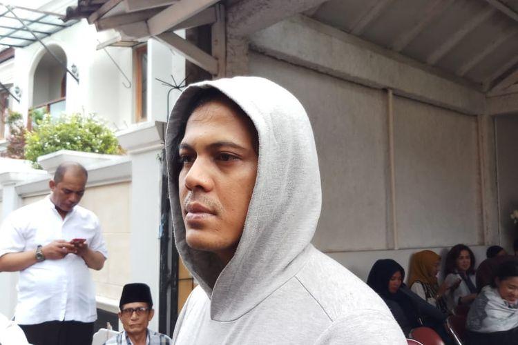 Suami dari mending Ria Irawan, Mayky Wongkar saat ditemui di kawasan Lebak Bulus, Jakarta Selatan, Minggu (12/1/2020).
