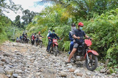 Begini Fakta Warga Sakit yang Ditandu di Dusun Pulao Luwu Utara