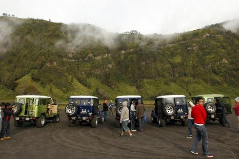 Pengunjung Bromo Membludak, Tumpukan Sampah Meningkat