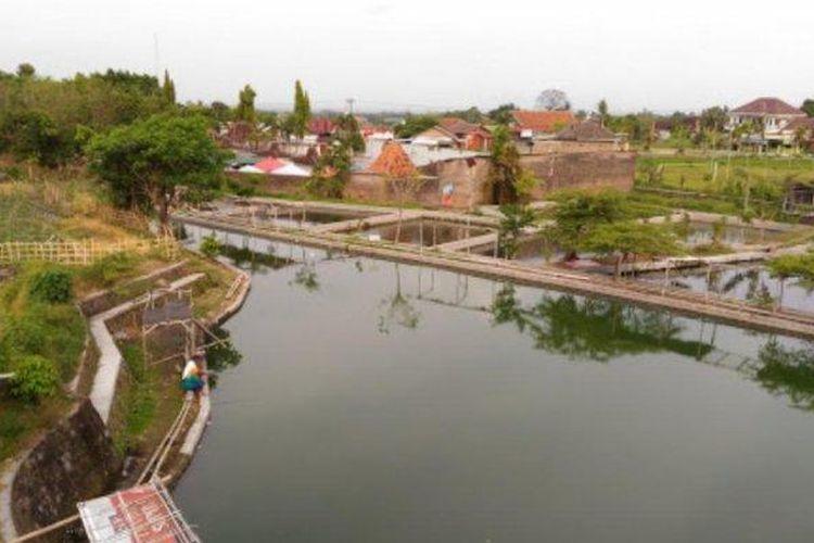 Pemancingan Waduk Galau Ponggok di Klaten, Jawa Tengah.