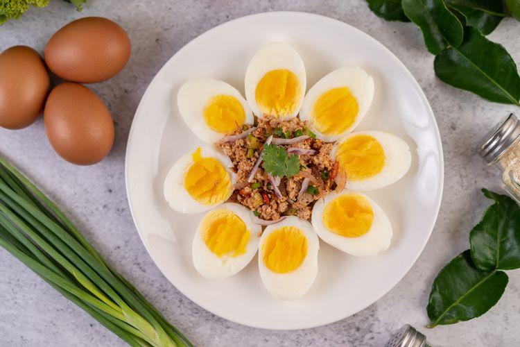 Ilustrasi telur rebus, salah satu sarapan sehat yang praktis