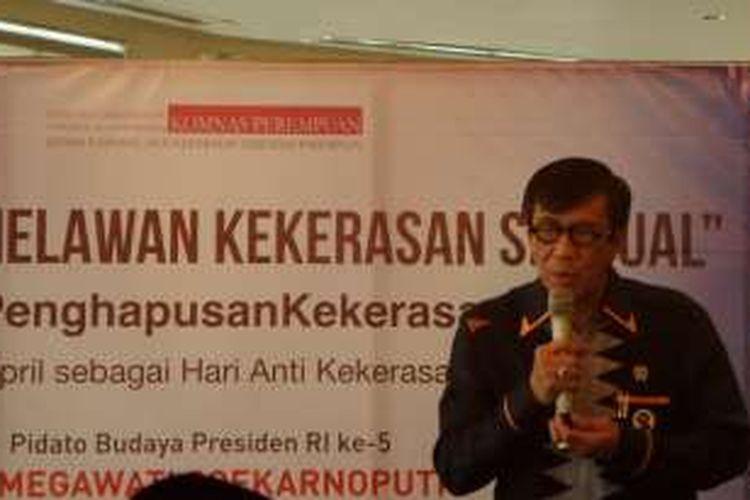 Menteri Hukum dan HAM Yasonna Laoly usai acara deklarasi Indonesia Melawan Kekerasan Seksual di Metropole, Jakarta Pusat, Kamis (12/5/2016).