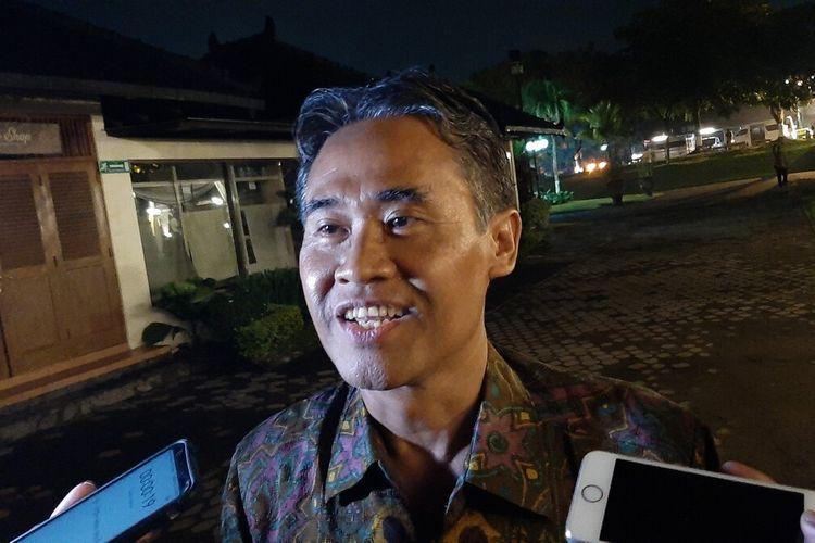 Rektor UGM Panut Mulyono ditemui mengikuti kunjungan Raja dan Ratu Belanda di Komplek Candi Prambanan Rabu (11/3/2020) petang