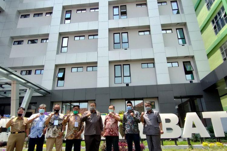 Wali Kota Tasikmalaya, Budi Budiman, sedang berada di gedung baru khusus ruang pasien Covid-19 di RSUD Soekardjo Kota Tasikmalaya, Senin (14/9/2020).