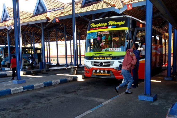 Suasana terminal bus Blitar, Selasa (20/4/2021)
