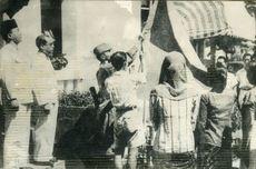Tiga Tokoh Pengibar Bendera Pertama