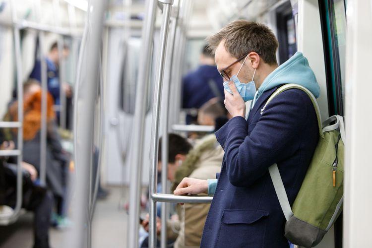 Ilustrasi masker melindungi saat batuk dan mencegar tertular virus corona