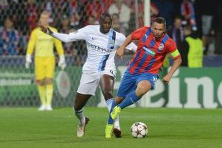 Penampilan gelandang Manchester City, Yaya Toure, saat melawan Viktoria Plzen pada fase grup Liga Champions, Selasa atau Rabu (18/9/2013) dini hari WIB.