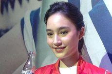 Tatjana Saphira Bawa Kantong Kanvas untuk Berbelanja