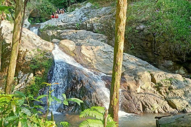 Air Terjun Curug Mandala, Sagalaherang, Kabupaten Subang.