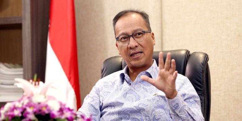 Menteri Sosial Agus Gumiwang Kartasasmita