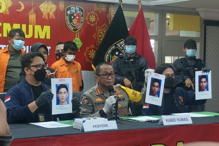 Polisi ungkap kasus pencurian dan pemerkosaan anak di Polda Metro Jaya, Jakarta Selatan Senin (17/5/2021).